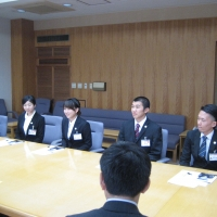 2016/06/24 JICAボランティア平成28年度第一次隊が中島副知事を表敬訪問しました