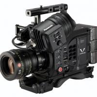 2016/02/11 小型軽量の一体型に、ハイエンドの画質と機能を凝縮した、4Kカメラレコーダー「VARICAM LT」を発表。