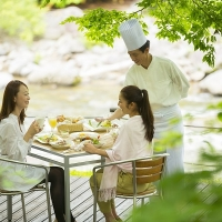 2016/04/30 緑まぶしい渓流沿いのテラスで朝食を「渓流テラス朝食」 6月1日より提供開始 [奥入瀬渓流ホテル]