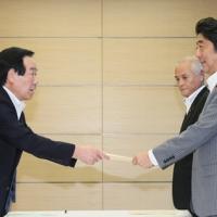 2016/08/24 安倍総理は与党東日本大震災復興加速化本部による第6次提言を受け取りました